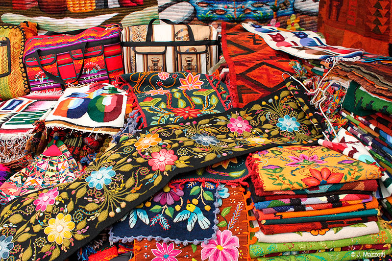 Handcrafts of Sacred	Valley of the	Incas